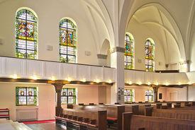 Blick vom Altar aus auf die Südempore in St. Gertrud - Copyright: Manfred Maronde