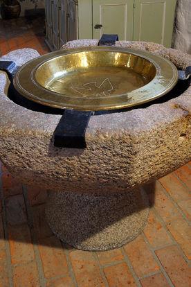 Nahansicht des Taufsteins in St. Georg auf dem Berge - Copyright: Manfred Maronde
