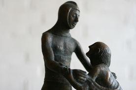 Metallene Skulpturengruppe in St. Martin - Copyright: Ev.-Luth. Kirchenkreis Lübeck-Lauenburg