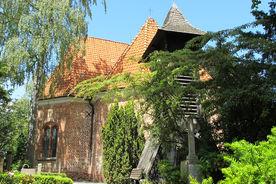 Der freistehende Glockenturm neben der St-Jürgen-Kapelle - Copyright: Ev.-Luth. Kirchenkreis Lübeck-Lauenburg