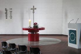 Blick auf den Altar und Kanzelpult der Kreuzkirche - Copyright: Ev.-Luth. Kirchenkreis Lübeck-Lauenburg