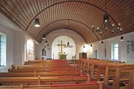 Innenansicht der Heilig-Geist-Kirche Mölln, Blick auf den Altar - Copyright: Manfred Maronde