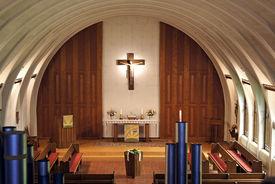 Blick von der Orgelempore auf den Altar - Copyright: Manfred Maronde