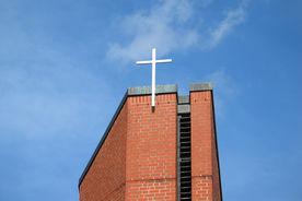 Die Spitze des Turms und das Turmkreuz der Bugenhagenkirche - Copyright: Ev.-Luth. Kirchenkreis Lübeck-Lauenburg