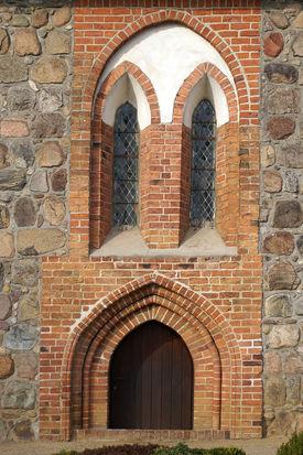 Außenansicht des Portals der Marienkirche Büchen-Dorf - Copyright: Manfred Maronde
