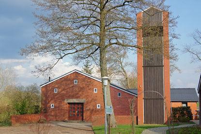 Der Eingang der Versöhnungskirche in Dassendorf