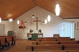 Innenansicht mit Blick auf den Altar der Auferstehungskapelle Güster - Copyright: Manfred Maronde