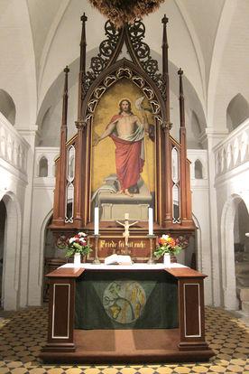 Historischer Altar der Katharinenkapelle in Witzeeze