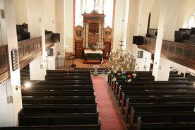 Innenansicht der Kirche in Nusse, Blick von der Empore