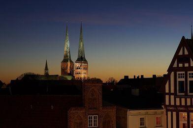 Lübecker Dom bei Nacht - Copyright: Ingo Socha