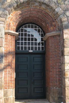 Der Eingang von St. Lorenz Travemünde