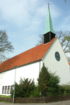 Blick auf die Kirche von Nord-Westen - Copyright: Ev.-Luth. Kirchenkreis Lübeck-Lauenburg