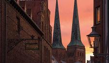 Abendlicht über den Domtürmen
