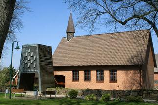 Außenansicht der Maria-Magdalenen-Kapelle Talkau von der Seite - Copyright: Manfred Maronde
