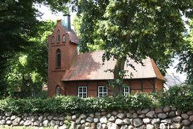 Außenansicht der Kapelle in Tramm