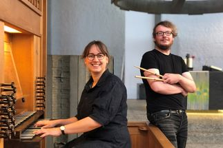 Ein Crossover-Video mit drei Chören erstellten die Kantoren Rebecca Poesch, Christoph Liedtke und Nathanael Kläs (nicht im Bild, zum Zeitpunkt des Bilds in Elternzeit). - Copyright: Tim Karweick
