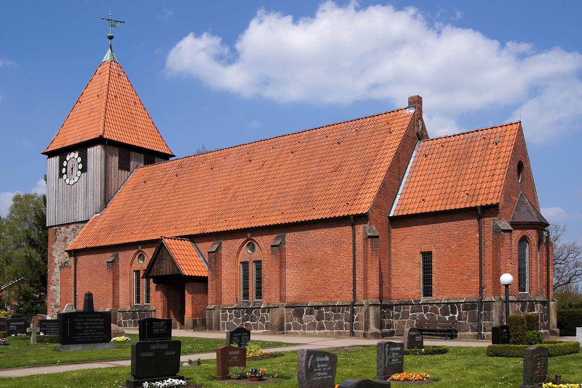 Die Pötrauer Kirche.
