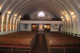 Blick vom Altar aus auf die Orgelempore in St. Christophorus - Copyright: Ev.-Luth. Kirchenkreis Lübeck-Lauenburg