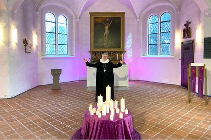 Pröpstin Petra Kallies beim Segen im YouTube-Gottesdienst. - Copyright: Ines Langhorst