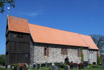 Kirche St. Johannis in Sterley - Copyright: Manfred Maronde