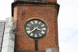 Die Turmuhr der Katharinenkapelle in Witzeeze