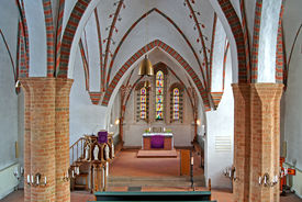 Innenansicht der Kirche in Breitenfelde, Blick auf den Altar - Copyright: Manfred Maronde