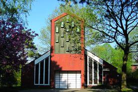 Außenansicht des Eingangsbereichs von St. Augustinus - Copyright: Ev.-Luth. Kirchenkreis Lübeck-Lauenburg