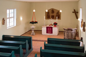 Der Altar der Kapelle in Tramm - Copyright: Manfred Maronde