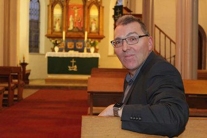 Der Kirchenmusiker Michael Buffo bildet die Jungbläser im Kirchenkreis Lübeck-Lauenburg aus.  - Copyright: Oliver Pries