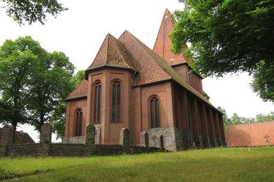 Außenansicht der Kirche in Nusse von Osten