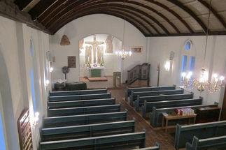 Innenansicht der Pötrauer Kirche von der Empore aus