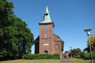 Der Turm der St.-Jacobi-Kirche Hamwarde
