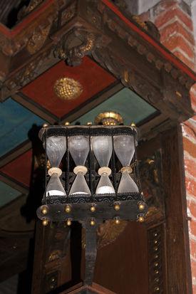 Sanduhr in St. Johannis Krummesse - Copyright: Manfred Maronde