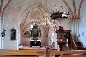 Innenansicht der Kirche in Behlendorf, Blick auf Altar und Kanzel - Copyright: Manfred Maronde
