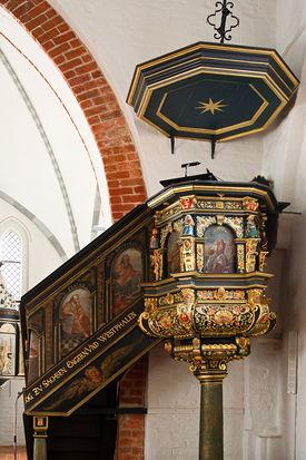 Kanzel der St.-Willehad-Kirche in Groß Grönau - Copyright: Manfred Maronde