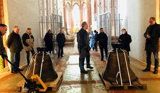 Bis sie den ihnen zugedachten Platz erobern, sind die Glocken im Westwerk von St. Marien zu bewundern.