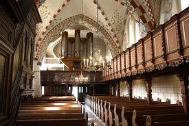 Innenansicht der Maria-Magdalenen-Kirche Berkenthin, Blick Richtung Orgel