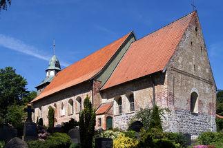 Außenansicht St. Georg auf dem Berge von schräg hinten - Copyright: Manfred Maronde