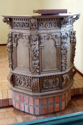 Die Kanzel der Kapelle in Tramm - Copyright: Manfred Maronde