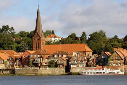 Seeansicht der Maria-Magdalenen-Kirche Lauenburg