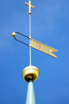 Die Wetterfahne der St.-Marien-Kirche Basthorst - Copyright: Manfred Maronde