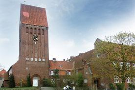 Sicht auf St. Johannes und angrenzende historische Gebäude - Copyright: Ev.-Luth. Kirchenkreis Lübeck-Lauenburg