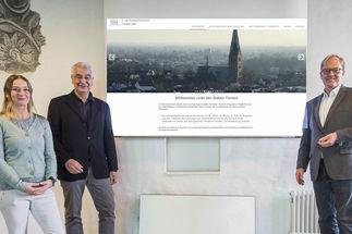 Steffi Niemann, Lutz Jedeck und Robert Pfeifer haben hinter den Kulissen die neue Internetseite der Innenstadtgemeinden erstellt. - Copyright: Olaf Malzahn