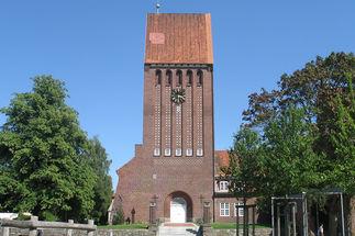 Sicht auf St. Johannes und angrenzende historische Gebäude