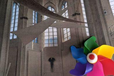 Innenansicht der St. Petri Kirche zu Lübeck mit Windmühle - Copyright: Silke Meyer