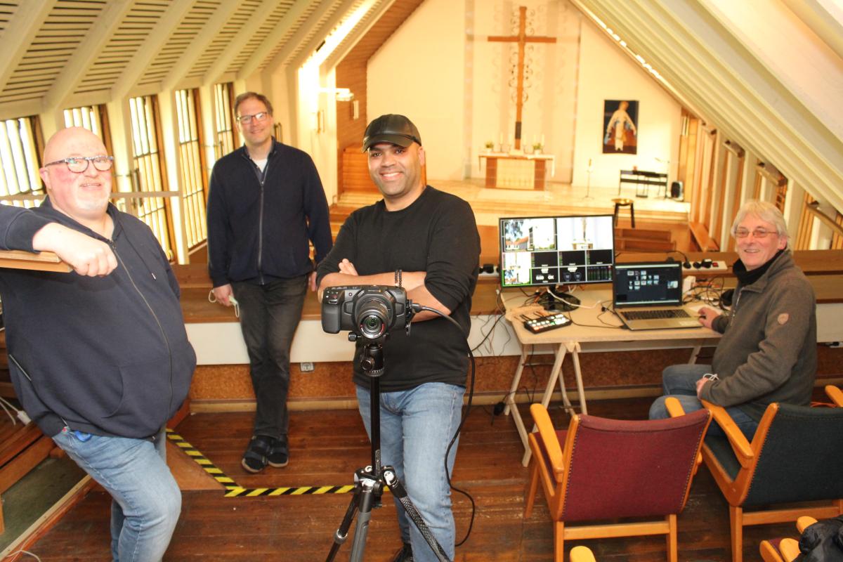 Team aus St. Stephanus, dass die Gottesdienste der Gemeinde streamt.