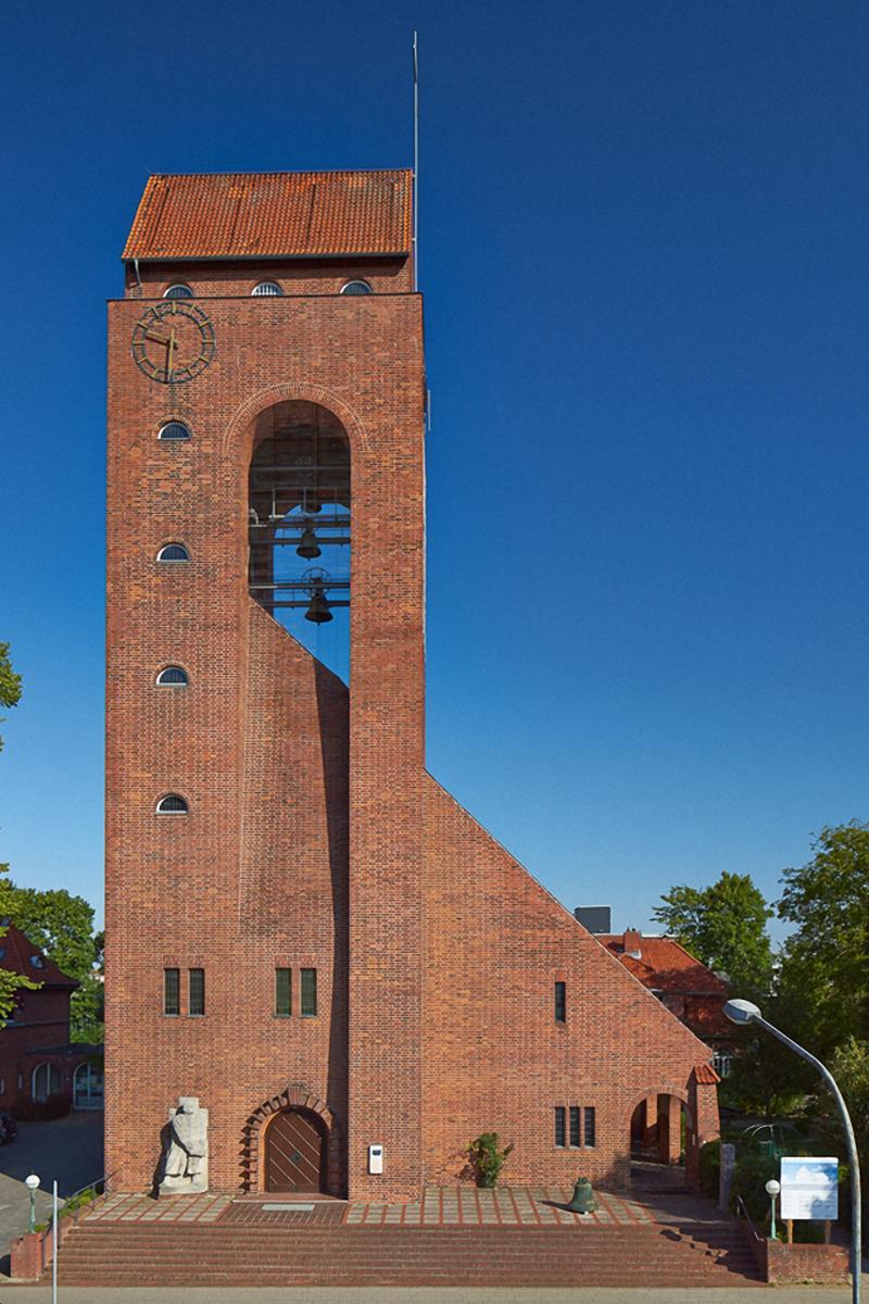 Außenansicht der Lutherkirche Lübeck