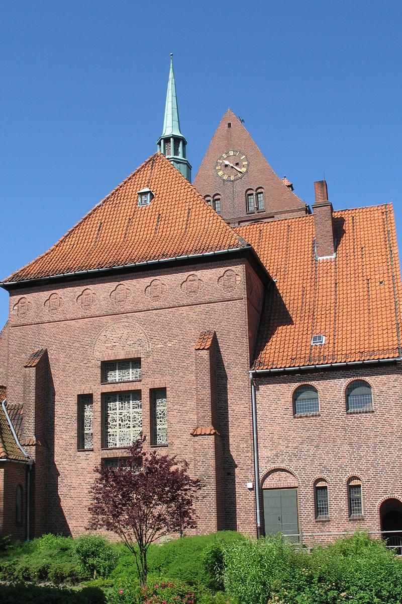 Außenansciht der St.-Gertrud-Kirche - Copyright: Ev.-Luth. Kirchenkreis Lübeck-Lauenburg